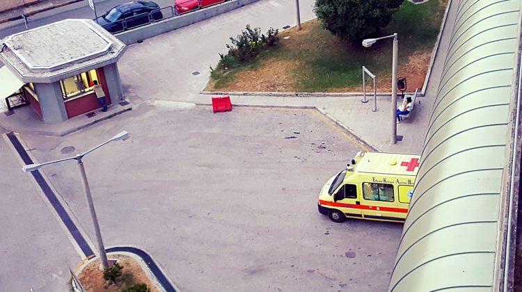 Ντελιβεράς τραυματίστηκε σοβαρά σε τροχαίο στα Τρίκαλα