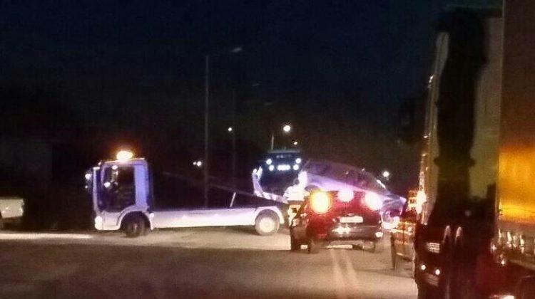 Τροχαίο ατύχημα με σφοδρή σύγκρουση οχημάτων χθες βράδυ στον περιφερειακό Τρικάλων