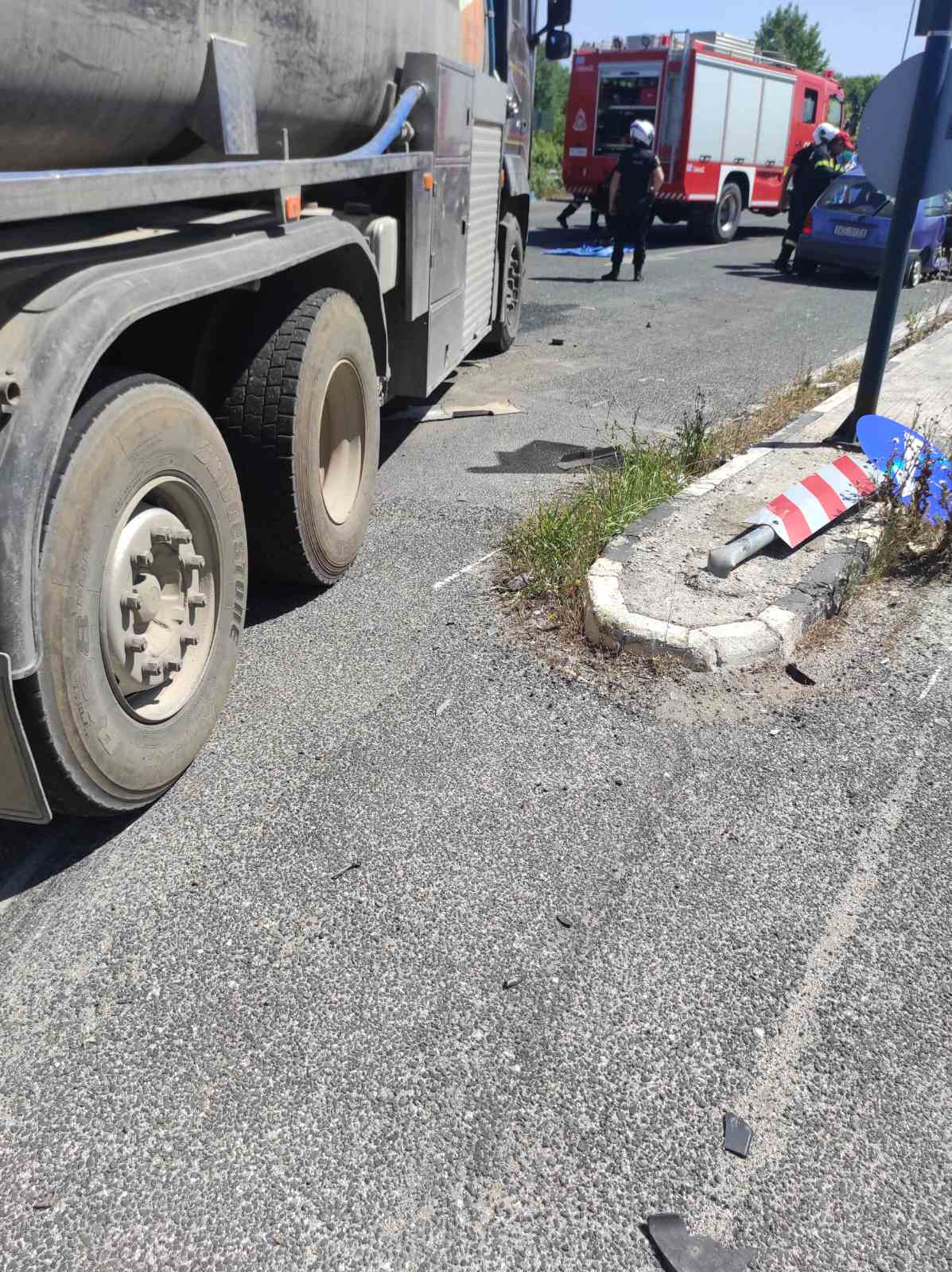 Τραγωδία σε τροχαίο το απόγευμα της Κυριακής: Φορτηγό συγκρούστηκε με αυτοκίνητο – Νεκρός ο οδηγός του ΙΧ (ΦΩΤΟ)